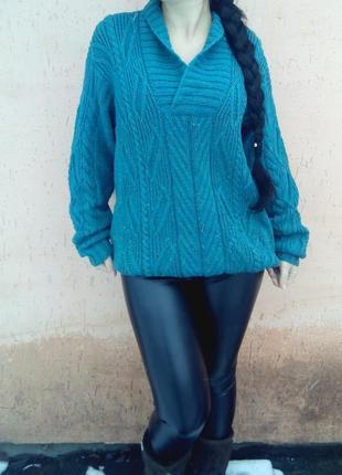 Стильный вязаный свитер оверсайз с дырками