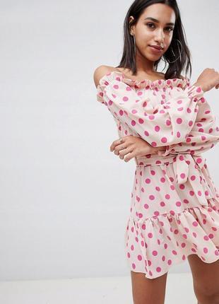 Prettylittlething романтична сукня в горох