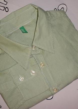Классическая женская рубашка benetton в тонкую зеленую полоску