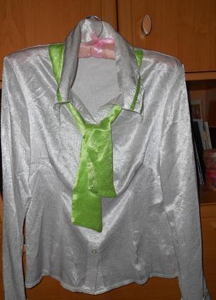 Белая атласная блузка