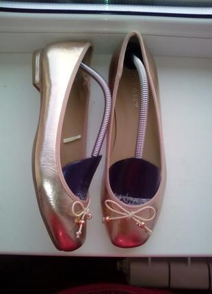 Золотистые туфли от  blanco новые!сток!
