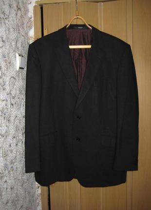 Фирменный мужской классический  шерстяной костюм р. л-хл
