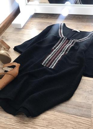 Лаконичное платье с вышивкой mango