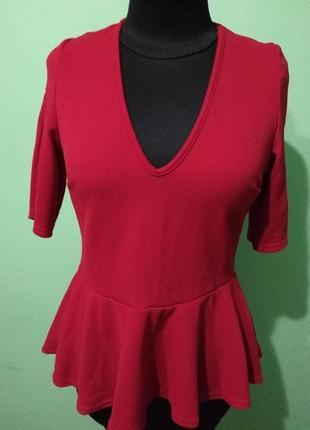Фирменная кофточка с баской,топ, блузка красного цвета