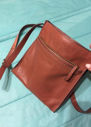 Кожаная сумка коричневая с длинной ручкой