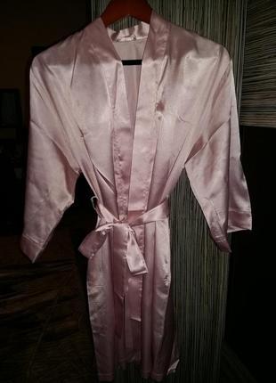 Очень красивый нежно - розовый халат