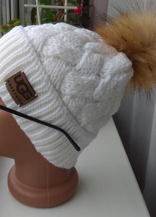 Новая шапка ( на флисе) белая
