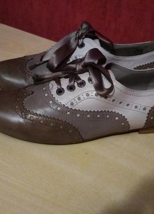 Кожаные шикарные туфли
