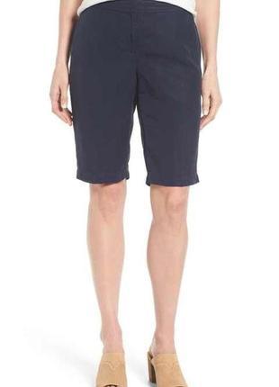 Классические шорты по колено