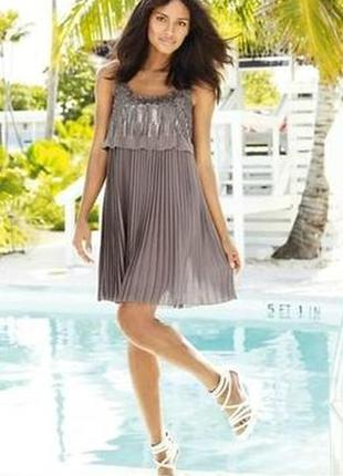Супер красивое нарядное праздничное платье  мини с пайетками