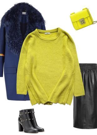 Стильный яркий свитер от tu с модными разрезами по бокам