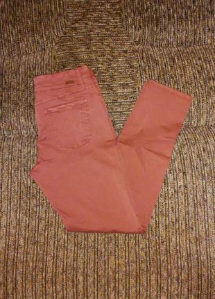 Яркие джинсы miss etam