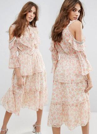 Платье miss selfridge с цветочным принтом и оборками c сайта asos