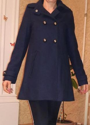Фирменное шерстяное пальто divided