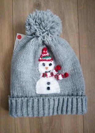 Очаровательная шапочка zara со снеговиком