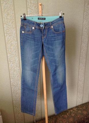 Трендовые зауженные джинсы размер trm jeans