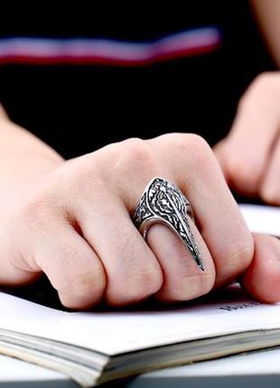 Очень крутое кольцо в виде когтя в стиле рок готика коготь унисекс