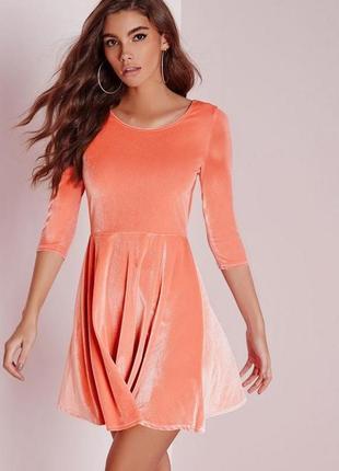 Идеальное велюровое платье мини от  missguided