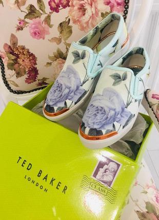 Крутые туфли слипоны ted baker