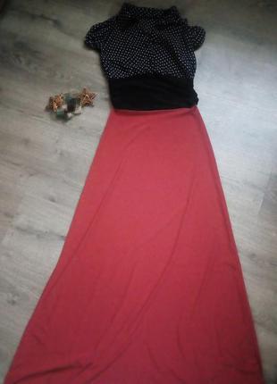 Плаття в пол,комбіноване червоним кольрлм і чорний в горошок