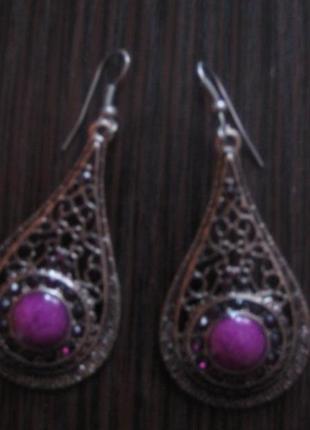 Новые серьги- висюльки под серебро  с фиолетовыми камнями