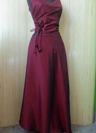 Атласное красное вечернее платье
