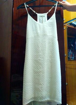 Лёгкое летнее белое платье