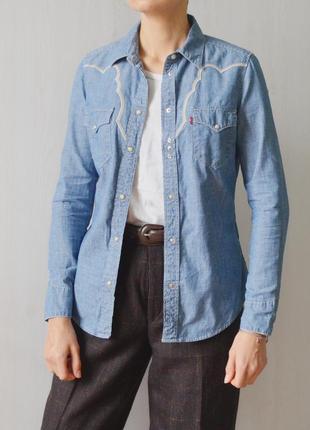 Джинсовая рубашка levi's с отделкой вышивкой