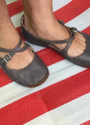 Кожаные очень удобные мягенькие балетки/ туфли clarks/идеально на каждый день