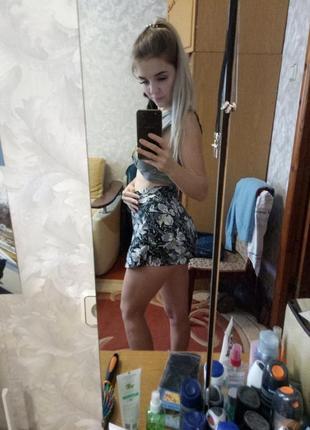 Актуальные шорты юбка с высокой посадкой цветочный принт2