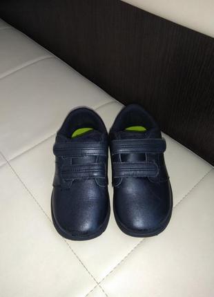 Crocs, кожаные туфли - кроссовки на мальчика, с10 (26-27)