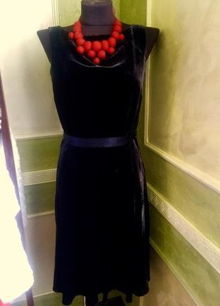 Велюровое вечерние платье