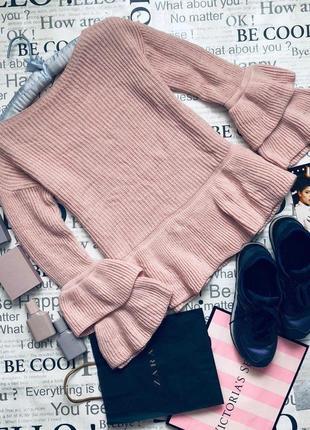 Шикарный пудровый свитер с рукавами воланами