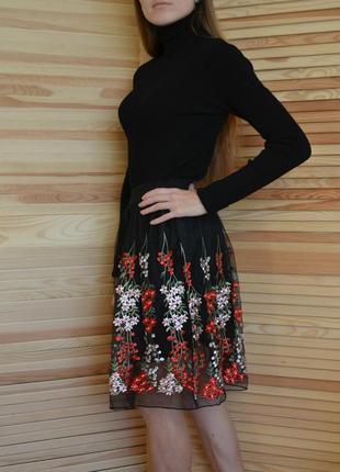 Очень красивая юбка в цветы с вышивкой прозрачная спідничка у квіти з вишивкоюс