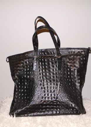 Большая чёрная сумка из кожи .италия . крокодил .
