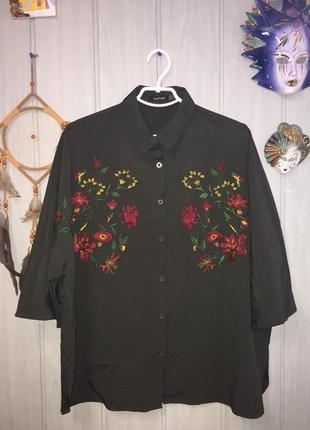 Стильная блуза оверсайз с вышивкой