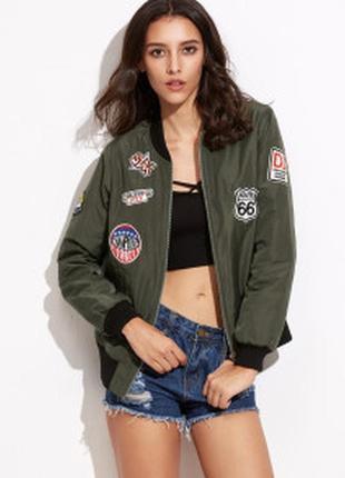 Новая курточка -бомбер с патчами ,вышивкой размер м и л