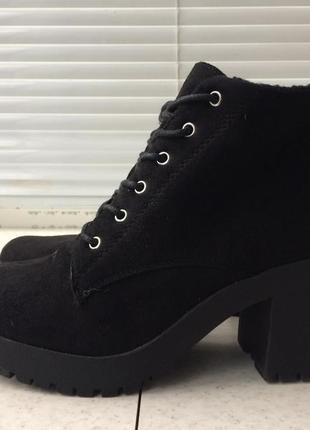 Ботинки зима с средним каблуком