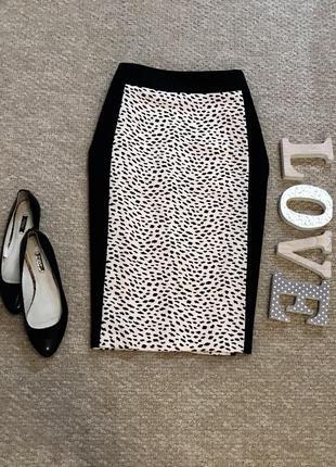 Стильная юбка с плотной ткани с вставкой