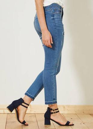 Крутые джинсы с рваным низом3