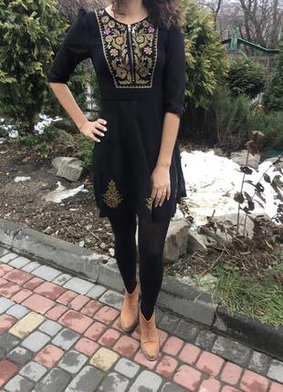 Шифонова сукня з вишивкою дорогого бренду moonsoon