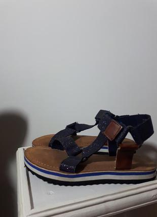 Комфортные и модные босоножки на липучках next 32p.