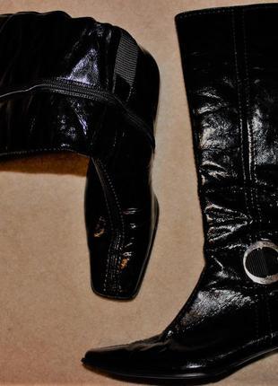 Супер стильні лаковані шкіряні чоботи відомого бренду