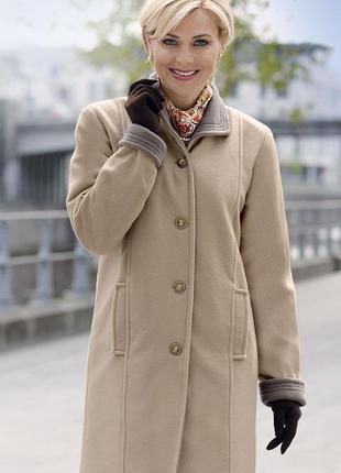 Брендовое флисовое демисезонное легкое пальто с карманами gabriella vicenza