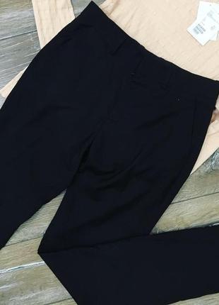 Стильные классические брюки от h&m. высокая посадка.