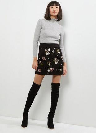 Крутая замшевая юбка с вышивкой, под замш с цветами, тянется ткань