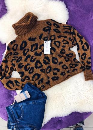Стильный слегка укороченый свитер в леопардовый принт италия