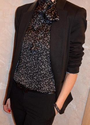 H&m эффектная блуза в мелкие звезды