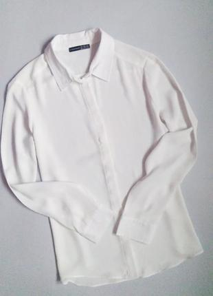 Базовая белая блузка