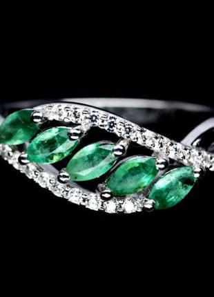 Серебряное кольцо с натуральными прозрачными изумрудами